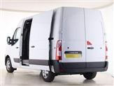 Renault Master LM35 ENERGY dCi 150 Business Medium Roof Van